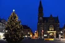 Vánoční strom ve Frýdlantu.