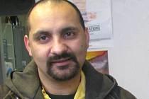 Martin Torták, který vysvobodil invalidní ženu z hořícího automobilu říká, že by se takto zachoval i v obdobných případech.