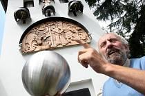 Neúnavný občan Kryštofova Údolí na Liberecku Martin Chaloupka.
