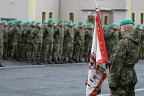 SLAVNOSTNÍ NÁSTUP příslušníků 31. brigády radiační, chemické a biologické ochrany proběhl v Kasárnách 6. října v Liberci.