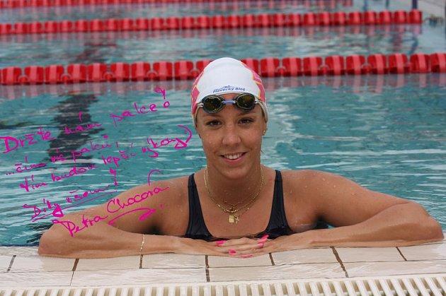 Fanděte plavkyni Petře Chocové.