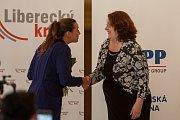 Vyhlášení osmého ročníku celonárodní soutěže Žena regionu proběhlo za Liberecký kraj 17. května v Kavárně Pošta v Liberci. Na snímku zleva zakladatelka soutěže Žena regionu Denisa Kalivodová a Ilona Kopecká, která se umístila na druhém místě.