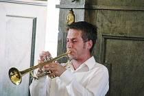 Na trubku zahrál posluchačům v bazilice Miroslav Smrčka, který předvedl také několik hudebních improvizací.