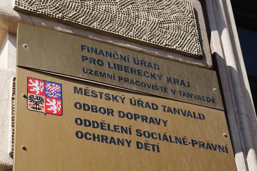 Tanvald patří mezi tři dotčená města.
