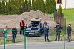 Prezident České republiky Miloš Zeman navštívil 9. května společnost Trevos v Turnově. Na snímku odpůrci Miloše Zemana.