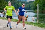 Běžím, co můžu, pomůžu! pátý ročník charitativního běhu pro nadaci Olgy Havlové se běžel 26. května okolo vodní nádrže Harcov v Liberci. Letošní výtěžek putoval na zafinancování rehabilitace pro malou Laru potýkající se s mozkovou obrnou.