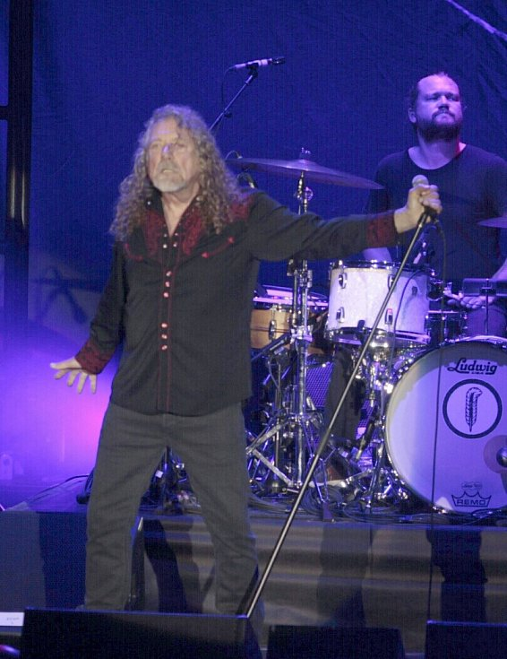 ROBERT PLANT s kapelou The Sensational Space Shifters v Plzni.