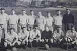 Na snímku Slovanu Liberec z roku 1960 je Prášil zcela vlevo sedící.  K poznání jsou např. Kletečka, Myslivec, Wiencek, Pasecký.