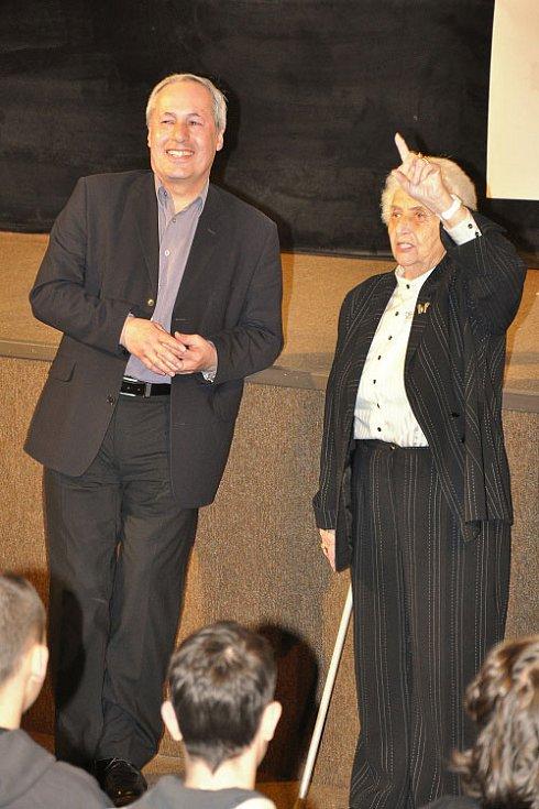 MARTA KOTTOVÁ a IVO PAVELEK. Snímek Arnošt Lustig devět životů v Liberci představila kamarádka Arnošta Lustiga a producent a režisér.