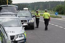 Během víkendové akce hlídky zastavily více než 900 vozidel.