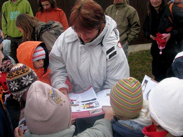 Děti se na Soví noci učily formou her.