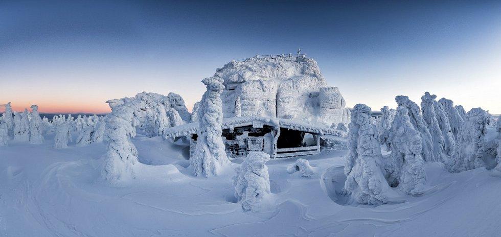 V ledovém sevření.