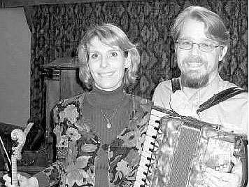 AMERICKÉ DUO CRICKET & SNAIL tvoří manželé Lucie a James Carlsonovi. V srpnu zahrají v Liberci.