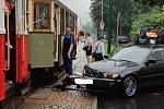 Jízdu historické tramvaje narušila dopravní nehoda.