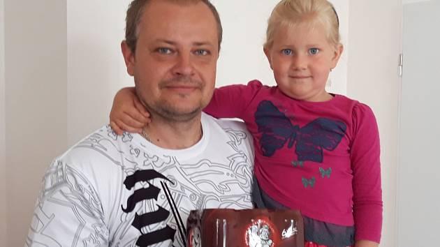 Jiří Rybář si přišel pro cenu se svou dcerou