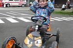 Na dopravním hřišti v Liberci. Buginu pořádně rozjel čtyřletý Pavlík.
