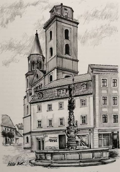 Dlouholetý sousedem Svatojánské věže je jeden z dalších symbolů Žitavy – kašna se sochou Rolanda.