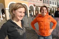 TVÁŘE HER. Patronkami a tvářemi Českých akademických her v Liberci byly reprezentantky ČR v akrobatickém lyžování a zároveň studentky Technické univerzity Nikola a Šárka Sudovy.