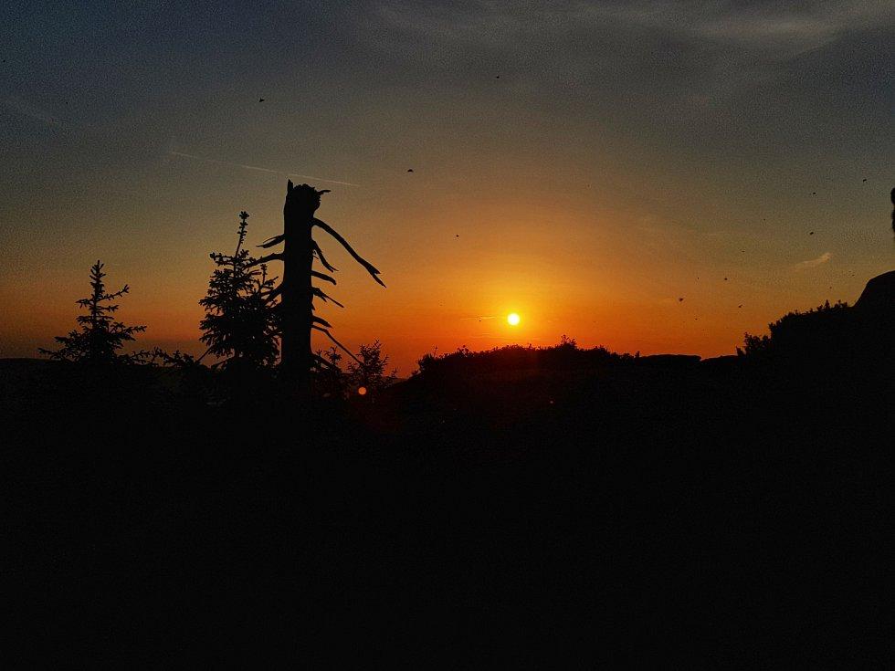 Svítání na Jizeře.
