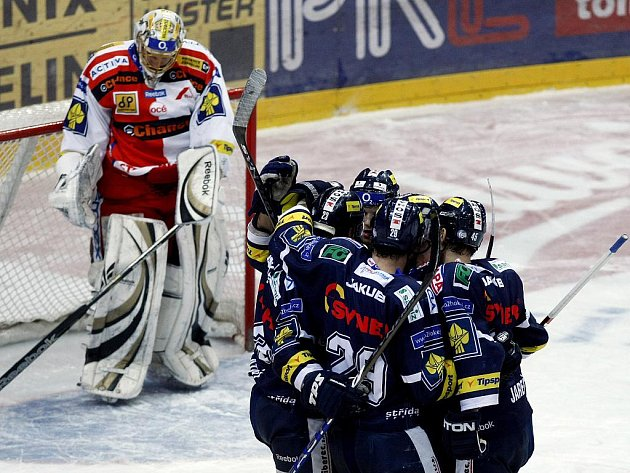 TYGŘÍ RADOST. V zatím posledním utkání extraligy liberečtí hokejisté vyhráli před olympijskou pauzou v Praze nad Slavií 4:2 a zajistili si tím účast v předkole play off.
