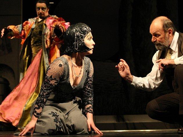 Inscenace hry úspěšného dramatika Kena Ludwiga nazvaná Shakespeare v Hollywoodu.