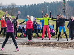 Indiánský běh pod vedením lektorky Martiny Daher proběhl 23. března 2017 ve sportovním areálu Vesec v Liberci.