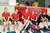 KVARTETO libereckých plavců ze závodů v Jihlavě: zleva Sára Trávníčková, Hana Kořínková, Barbora Jurčíková a Jan Holásek.