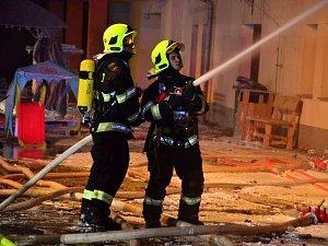 Požár v areálu Jezdecké školy JS Vysoká a Farmy Vysoká nedaleko Chrastavy