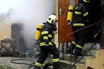 V rodinném domě v libereckých Kateřinkách vypukl v pátek ve čtrnáct hodin požár.
