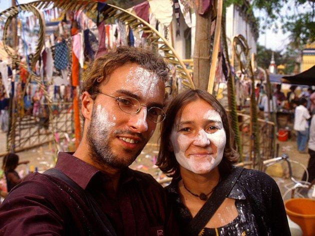 Lucie a Pavel Novákovi v Kambodži.