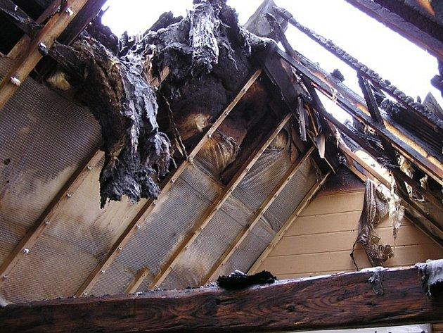 Požár chaty v Jistebsku.