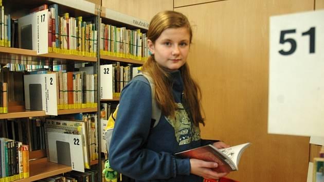 ČTENÁŘKA. Angelika Bürgerová navštěvuje již oba volné výběry. Každý má podle ní nějaké plusy.