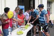 Z Prahy do Liberce dojel první tým závodu Opel cyklo handy maraton.