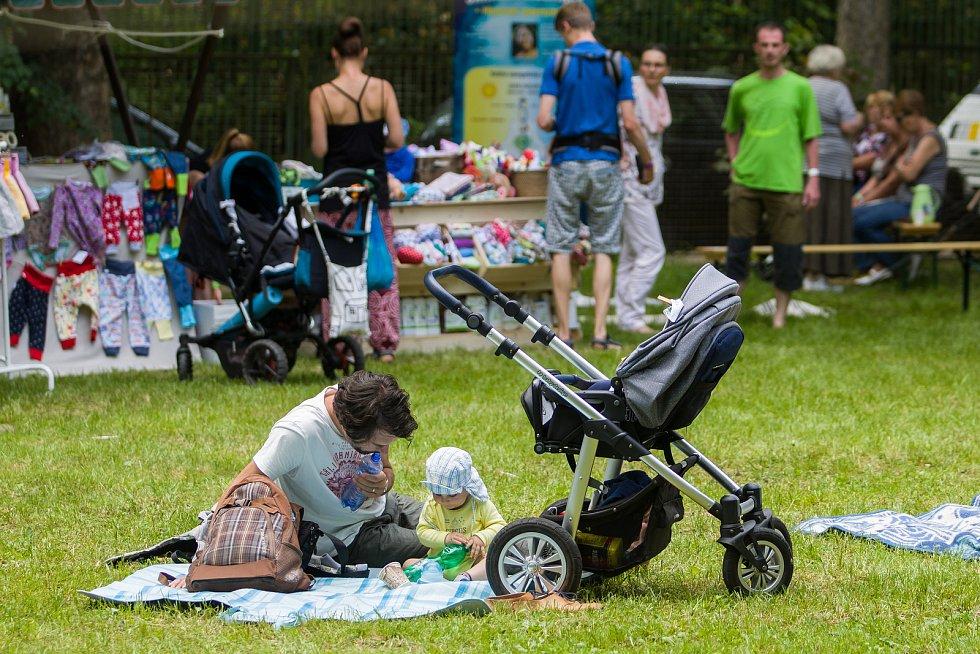 Greenfest, festival plný inspirativních přednášek a dílen na témata přírodní stavitelství, energetická soběstačnost, permakultura, zdravá strava či osobní rozvoj proběhl 3. června již po páté.