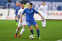 Petar Musa (v modrém)