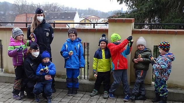 V rámci této akce byl předán preventivní a propagační materiál pro cca 300 dětí předškolního věku a cca 180 dětí školního věku ve 14 otevřených MŠ a ZŠ Libereckého kraje.