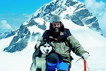 KANADSKÉ DOBRODRUŽSTVÍ. V divočině hor Mackenzie strávil Leoš Šimánek téměř rok.