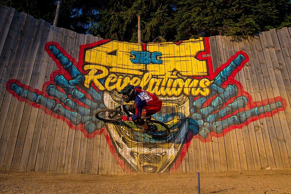 Finále závodu světové série horských kol ve fourcrossu JBC 4X Revelations proběhlo 14. července v bike parku Dobrý Voda v Jablonci nad Nisou. Na snímku je biker Jiří Penc.