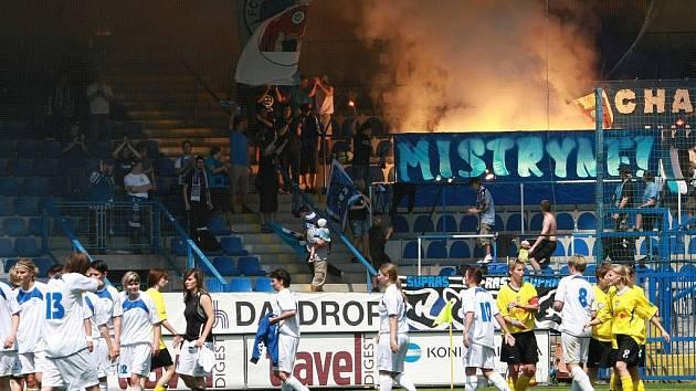 DRAMA DO POSLEDNÍCH VTEŘIN. A pak následně velká radost na stadionu U Nisy i s fanoušky.