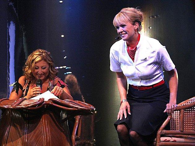 Vítězka semifinále Stanislava Klocová s Halinou Pawlowskou.