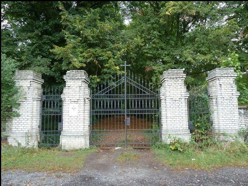 Hřbitov bláznů v Bohnicích.