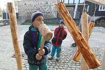 V ekologickém centru Střevlik v Oldřichově v Hájích proběhla akce Den stromů. Návštěvníci se seznámili formou hry s různými druhy dřevin, děti se svezly na koni, lisovaly z jablek mošt a mohly si zasadit svůj strom.