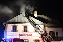 V Harrachově hořel penzion
