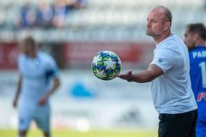 Trenér Slovanu Liberec Pavel Hoftych při zápase v Olomouci.