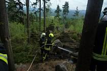 Jeden z lesních požárů vypukl v pátek 4. srpna ve Velkých Hamrech.