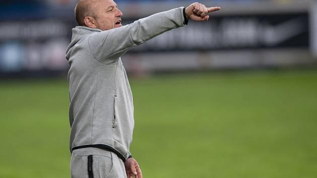 Trenér Slovanu Pavel Hoftych během duelu se Zbrojovkou Brno.