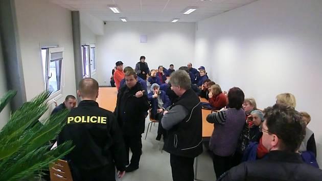 Celníci a policisté zkontrolovali na Semilsku tři firmy.