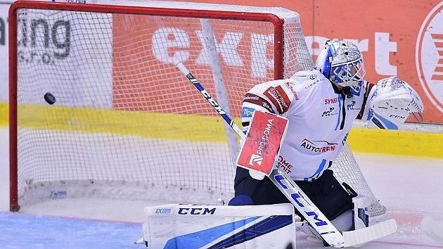 BOD ZE ZÁPADU. Brankář Liberce Petr Kváča inkasuje gól v duelu s Plzní. Tygři padli na západě Čech v nájezdech.