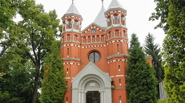 Tajemný Červený kostel na Perštýně.
