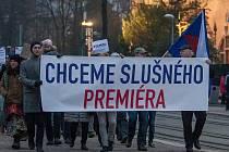 Pochod za slušného premiéra městem od Severočeského muzea v Liberci až k vlakovému nádraží proběhl 22. listopadu.